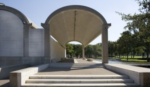 colonnade_on_the_north_side_kimbell_art_museum_fort_worth_texas_louis_kahn_1966-72_c_2010_kimbell_art_museum_fort_worth_photo_robert_laprelle